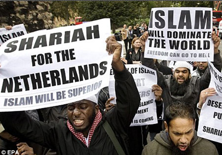 "February 5, 2010 -  A Dutch court is hearing a petition by anti-Islam lawmaker, Geert Wilders, to avoid criminal prosecution for allegedly inciting hatred against Muslims. ( October 19, 2009 - ""Geert Wilders greeted with 'Islam Will Dominate the World', 'Freedom Go to Hell', 'Shariah for The Netherlands'"" )"